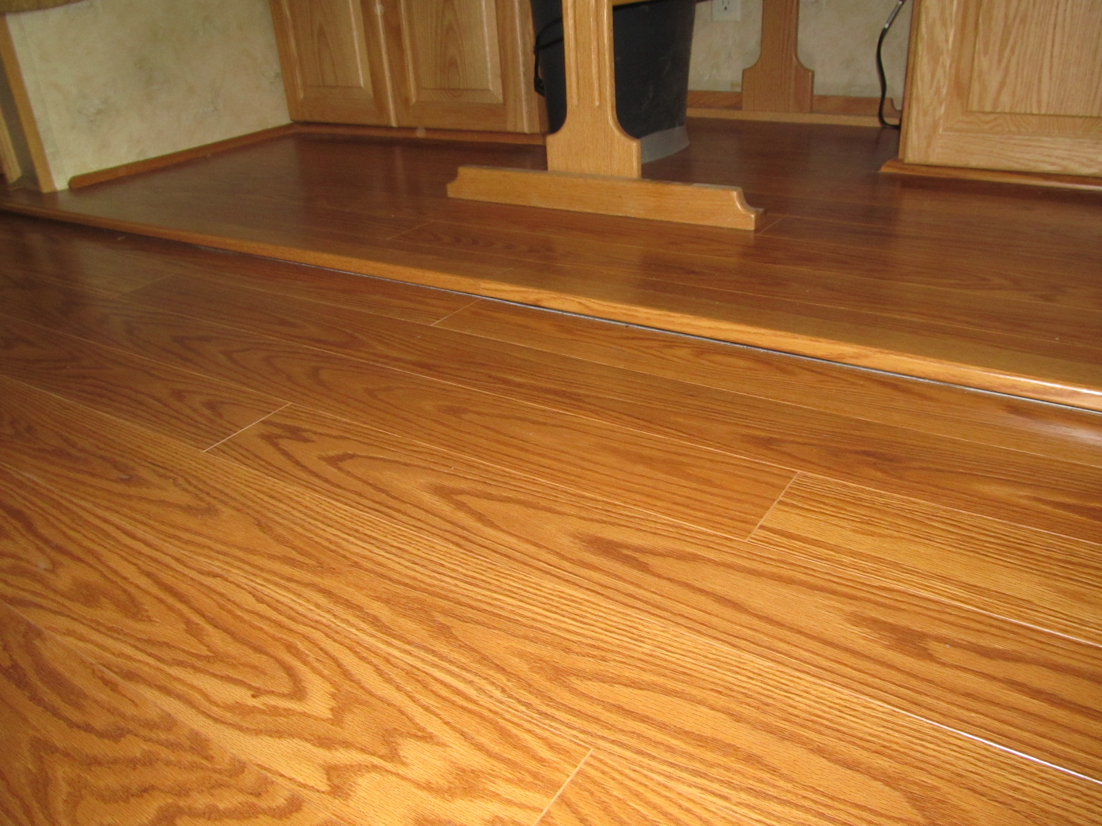 , styles, and brands of RV floor coverings . Laminate, Tile, Linoleum ...