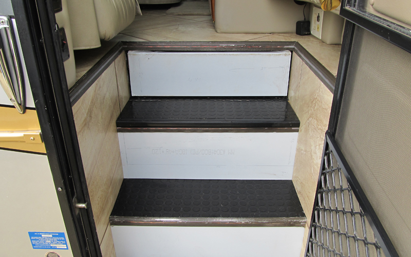 Rv Flooring Amp Finishes Dave Amp Lj S Rv Furniture Amp Interiors