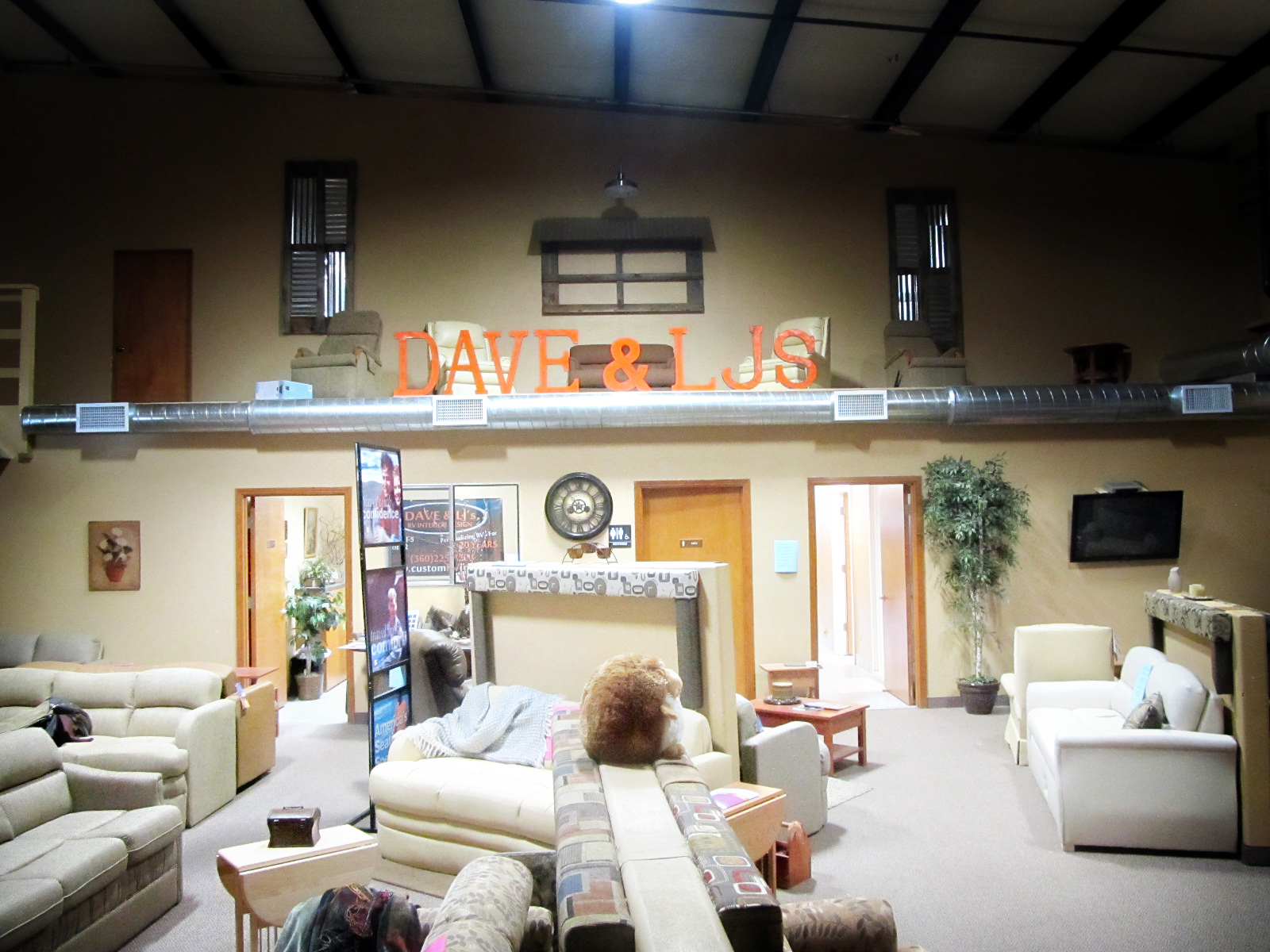 Our Showroom - Dave & LJ's RV Furniture