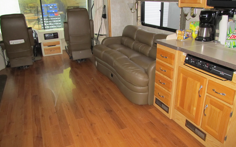 RV Furniture - Captains Chairs, Dinettes, Sofas, Recliners, Wood